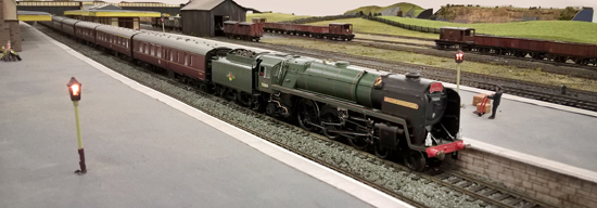 Hornby Britannia 4-6-0 with rake of carriages